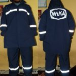 Konveksi seragam jas hujan WIKA bahan taslan hasil produksi nugrahaseragam.com